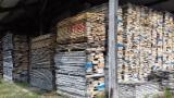 Laubholz  Blockware, Unbesäumtes Holz Frankreich - Einseitig Besäumte Bretter, Esche , Esche