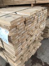 Offers Bulgaria - A Grade KD Oak Planks, 30 mm