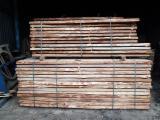 Laubholz  Blockware, Unbesäumtes Holz Ukraine - Loseware, Eiche