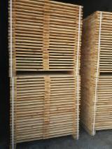 Schnittholz - Besäumtes Holz - Kiefer  - Föhre, 40 - 1000 m3 pro Monat