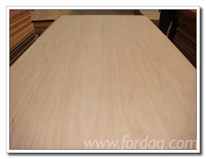 Furniture-grade-commercial-plywood-with-different-natural