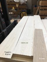 Flooring And Exterior Decking Europe - White Ash Lamellas FSC 100% 4.5x220x2030/2430 A+