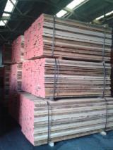 Laubholz  Blockware, Unbesäumtes Holz Ukraine - Einseitig Besäumte Bretter, Eiche