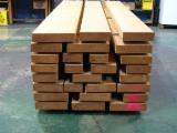 Drewno Iglaste  Drewno Klejone Warstwowo – Elementy Drewniane Łączone Na Mikrowczepy Na Sprzedaż - Materiały Drewnopochodne I Drewno Klejone