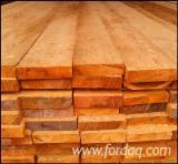 Meko Drvo  Rezano Drvo - Klade Za Prodaju - Okrajčena Daska, Sibirski Ariš