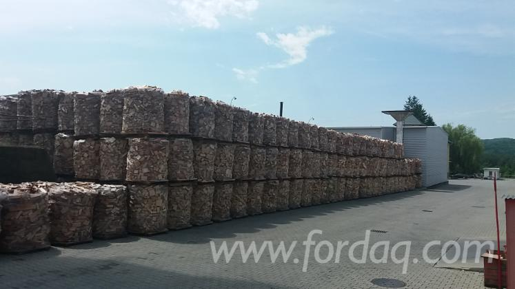 Offer-for-Beech-Firewood-Woodlogs-Cleaved-20