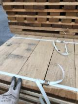 Strips Sawn Timber - Offer for Oak Elements QFA AA 4 cleaned sides 27(30)mm FSC 100%