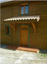 Négoce De Portes, Fenêtres Et Escaliers En Bois - Fordaq - Vend Portes Pin  - Bois Rouge