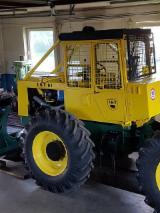 Echipamente Pentru Silvicultura Si Exploatarea Lemnului Publicati oferta - Vand Tractor Forestier LKT  81 Turbo Second Hand 2018 Slovacia