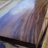 Wholesale Wood Veneer Sheets - Saman Flat Cut, Figured Natural Veneer Ecuador