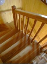 Acheter Ou Vendre  Escaliers En Bois - Vend Escaliers Mélèze , Pin  - Bois Rouge