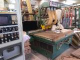 Holzbearbeitungsmaschinen CNC Bearbeitungszentren - CNC 3-Achsfräsmaschine gebraucht