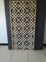 Composants en Bois, Moulures, Portes et Fenêtres, Maisons - Vend Panneaux Perforés, Panneaux Acoustiques Hêtre Italie