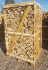 薪材、木质颗粒及木废料 - 劈切薪材 – 未劈切 碳材/开裂原木 常见黑色阿尔德木, 鹅耳枥, 橡木
