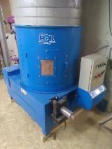 Offers France - Used POR ECOMEC 2006 Briquetting Press For Sale France