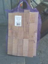 薪材、木质颗粒及木废料 - 劈切薪材 – 未劈切 点火木材 桦木