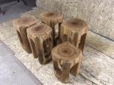 Mobilă De Bucătărie De Vânzare - Scaun, taburet bucatarie, mobilier lemn vechi rustic - 300 lei