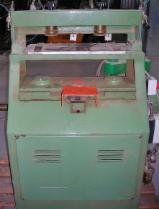 Mašina Za Pravljenje Repova Polovna Italija