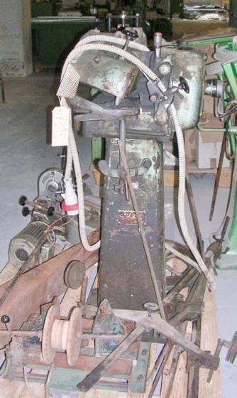 Gebraucht 2010 Messer Scharfmaschinen Zu Verkaufen Italien