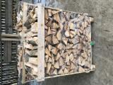 Energie- Und Feuerholz - Brennholz,Kaminholz in Buche 1rm Boxen und 2 rm Boxen