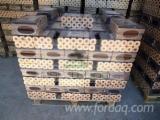 Leña, Pellets Y Residuos - Venta Briquetas De Madera Abeto Noble Ucrania
