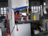 Automatically Fed Press For Veneering Flat Surfaces - FELDER FB 740 RS Band Saw