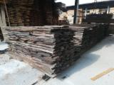 Unedged Loose Walnut from Toscana, 30; 40; 60 mm
