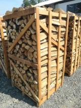 Firewood/Woodlogs Not Cleaved - Firewood on pallets