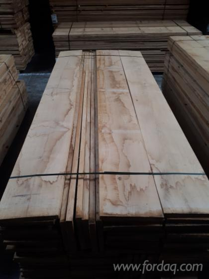 Wide-square-edged-oak-boards-used-for