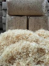 薪材、木质颗粒及木废料 - 木芯片 – 树皮 – 锯切 – 锯屑 – 刨削 木羊毛 苏格兰松