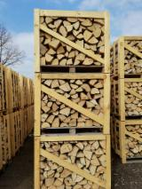 Firewood, Pellets and Residues - Oak firewood, seasoned, dry.