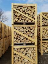 Firewood, Pellets And Residues - Oak firewood, seasoned, dry.