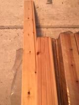 Drvne Komponente, Ukrasi, Vrata I Prozori - Puno Drvo, Bor - Crveno Drvo, Profilisane Vertikale