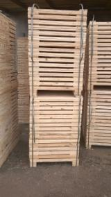 Cientos De Productores De Madera De Paleta - Fordaq - Madera para pallets Pino Silvestre - Madera Roja Secado En Secadero (KD) En Venta