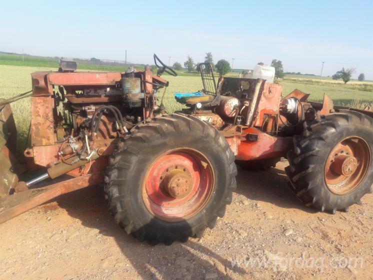 Vend Tracteur Forestier LKT Occasion 1979 Slovaquie