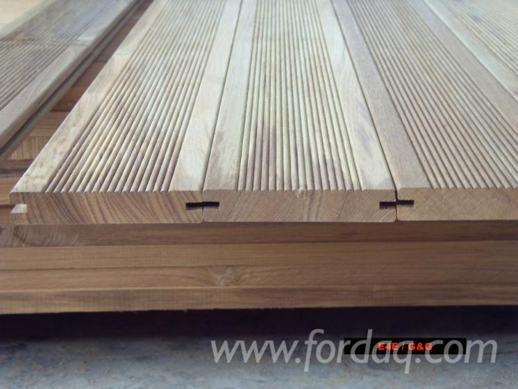 Teak-Garden-Flooring--Anti-Slip
