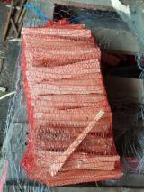 薪材、木质颗粒及木废料 - 劈切薪材 – 未劈切 点火木材 云杉