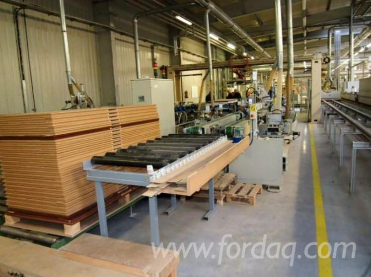 Vend Ligne De Production De Portes FAMAD Occasion Pologne