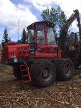 Offers Latvia - For Sale – Forwarder: Komatsu 895 (F275)
