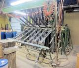TAYLOR Woodworking Machinery - Used TAYLOR 30 SECTION Pneumatic Clamp Carrier