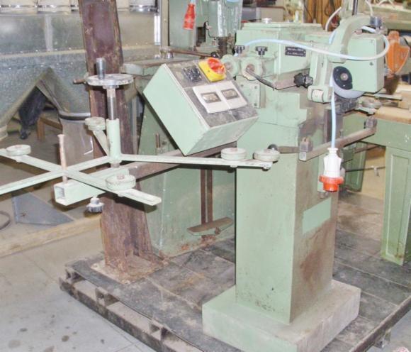 Gebraucht Armstrong 2007 Messer Scharfmaschinen Zu Verkaufen Frankreich