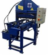 Boldrew Woodworking Machinery - Boldrew Pallet Nailing Machine