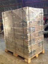 Leña, Pellets Y Residuos - Venta Briquetas De Madera Abeto - Madera Blanca, Alerce , Alerce Siberiano Захід Ucrania