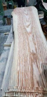 Ukrainian Red Oak Veneer From Direct Manufacturer