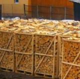 Pellets, Feuerholz Und Hackschnitzel - Buche, Birke, Eiche Brennholz Gespalten 8 - 15 cm