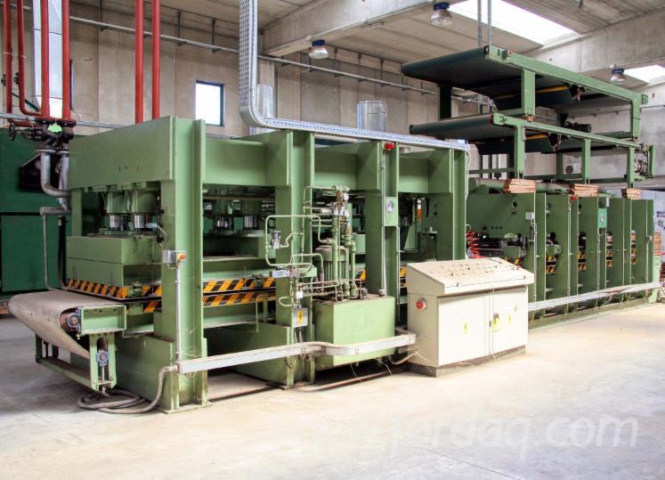 Vender Prensa De Reposição Automática Para Superfícies Planas De Recobrimento (lâminas E Folheados) Angelo Cremona Usada 2001 Itália
