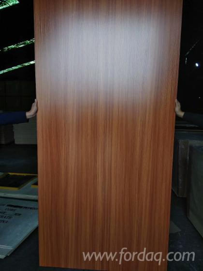 Cheaper-12mm-Furniture-Grade-Melamine-Paper-Faced-Laminated-Plywood-With-Combi
