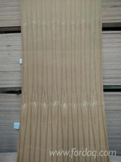 2-7mm-grade-A-teak-plywood-with-poplar-core-for-furniture
