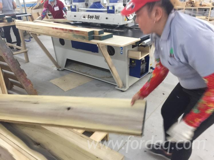 Cutting-Thick-Wood-Stock-with-XtraSharp-Rip