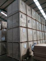 Vend Panneaux Lattés - Panneaux Blocs 2.7; 3.4; 5; 8; 12; 15; 18 mm Indonésie
